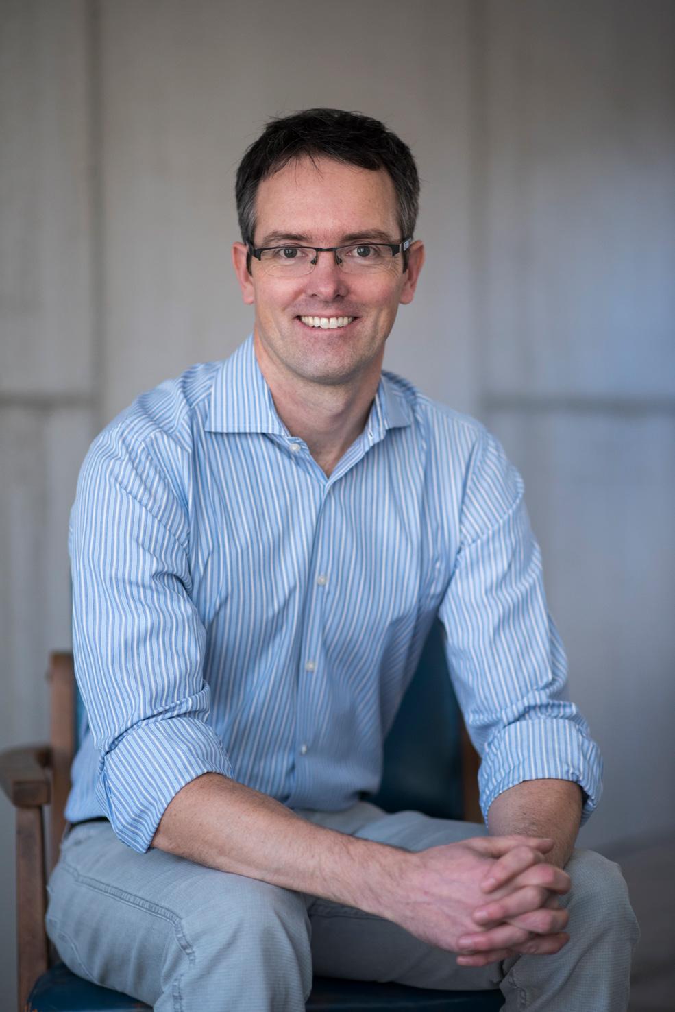 Dr. Steven Meredith